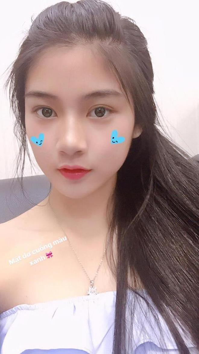 Hot girl áo dài tự tin khoe giọng hát ngọt như mía lùi khi cover hit Duyên phận-2