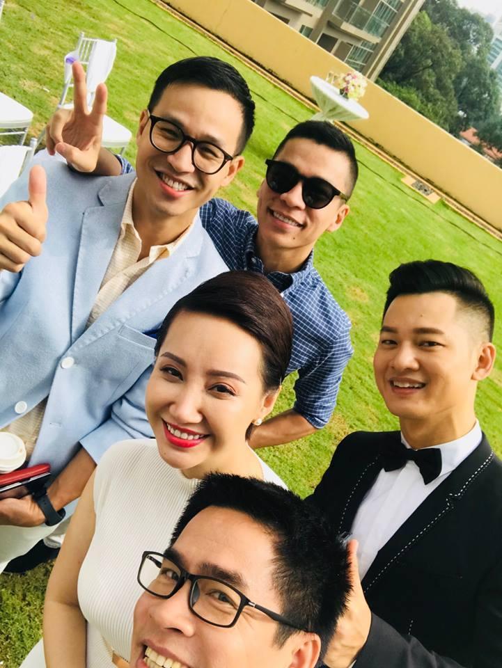 Tin sao Việt 13/10: Thông tin ca sĩ Đức Tuấn bí mật đám cưới gây xôn xao showbiz-1