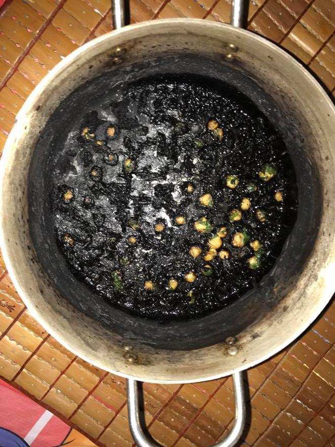Khoe khéo khoe đảm xưa rồi, chị em giờ đang có mốt mới chất hơn: Khoe nấu nướng vụng về-4