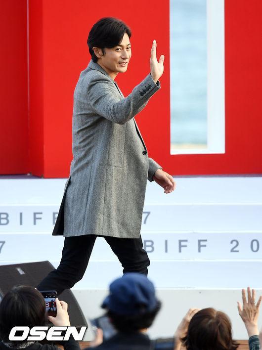 Jang Dong Gun: Tôi chưa thực sự là người chồng, người cha tốt-1