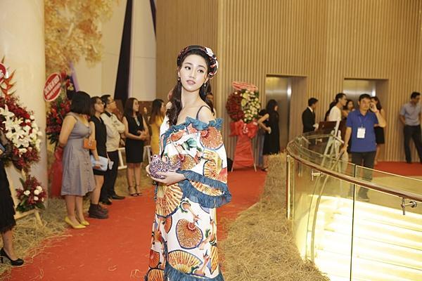 Á hậu Hoàn vũ Việt Nam 2015 Ngô Trà My hiếm hoi dự sự kiện sau khi lấy chồng đại gia-2