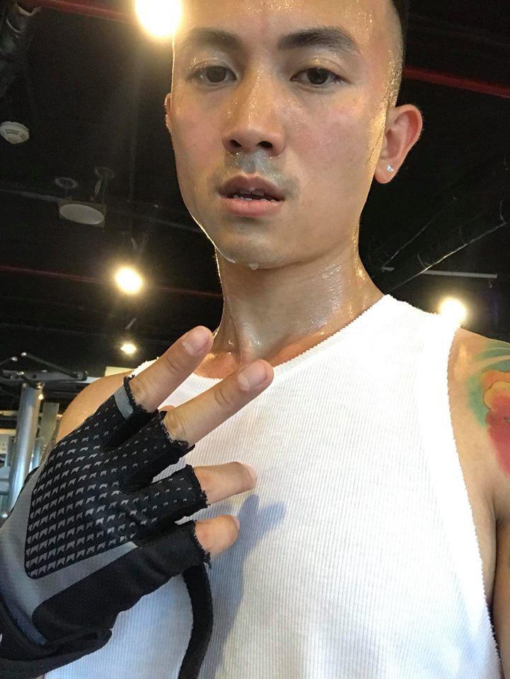 Hot girl - hot boy Việt 14/10: Giật mình với cánh tay như dị tật của Khánh Linh The Face-9
