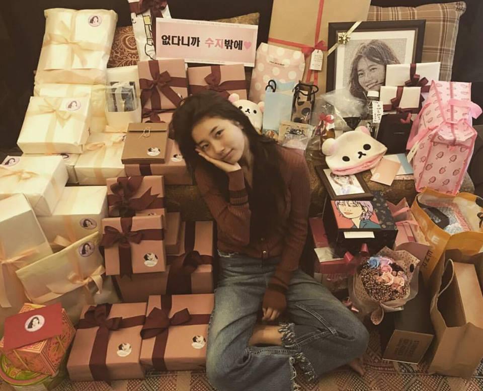 Street style sao Hàn: Suzy ngọt ngào - Lee Min Ho lịch lãm khiến fan đứng ngồi không yên-10