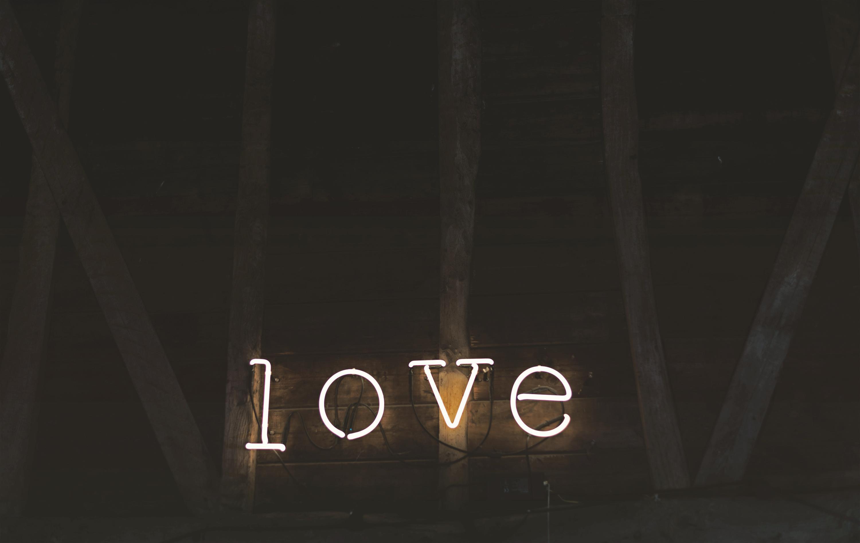 Ta yêu nhau bình yên hôm nay thôi, chuyện ngày mai để mai tính-2