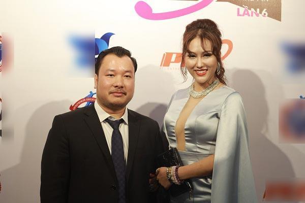 Bạn trai doanh nhân của Phi Thanh Vân bị nghi ngờ không giàu có như lời tuyên bố-1