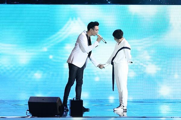 Hoài Lâm giả fan cuồng, Phillip Nguyễn nhảy sung hết nấc trong birthday concert Vũ Cát Tường-4