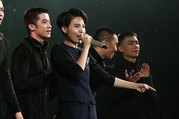Hoài Lâm giả fan cuồng, Phillip Nguyễn nhảy sung hết nấc trong birthday concert Vũ Cát Tường-14