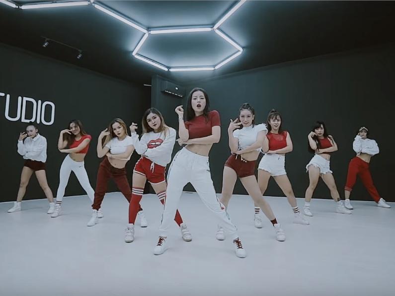 Không sợ bị chê bai, Chi Pu thả xích dance MV với vũ đạo nhuần nhuyễn-1