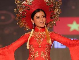 Nhờ hơn 2 triệu lượt chia sẻ, áo dài của Huyền My lọt Top 25 quốc phục đẹp nhất Miss Grand International 2017