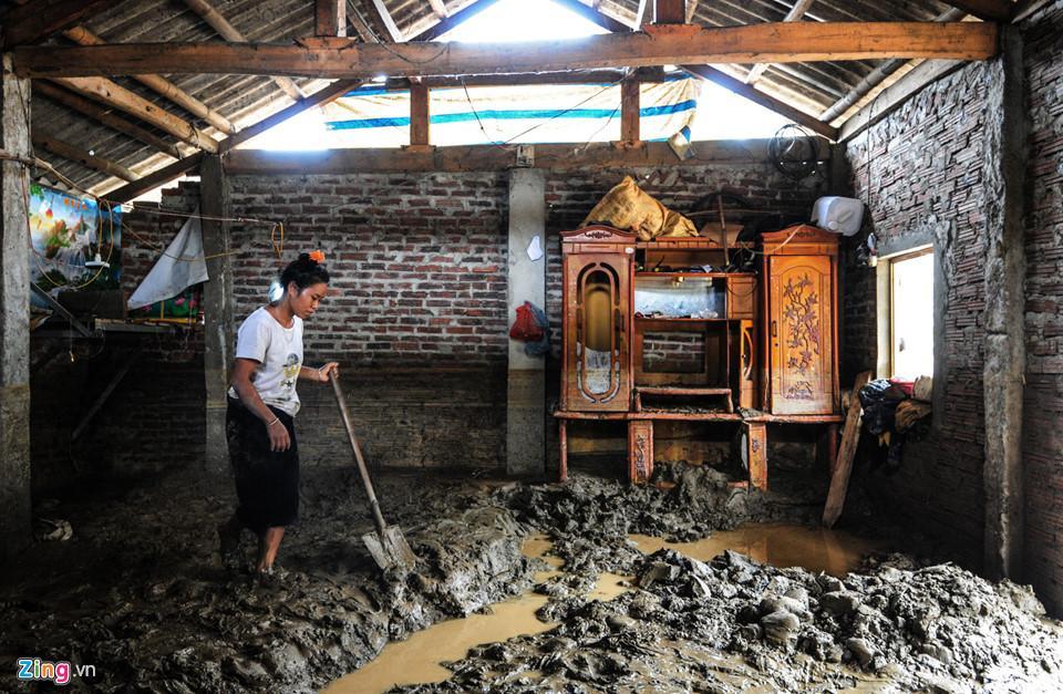 Cảnh xác xơ, tang tóc sau cơn lũ quét lịch sử ở Yên Bái-9