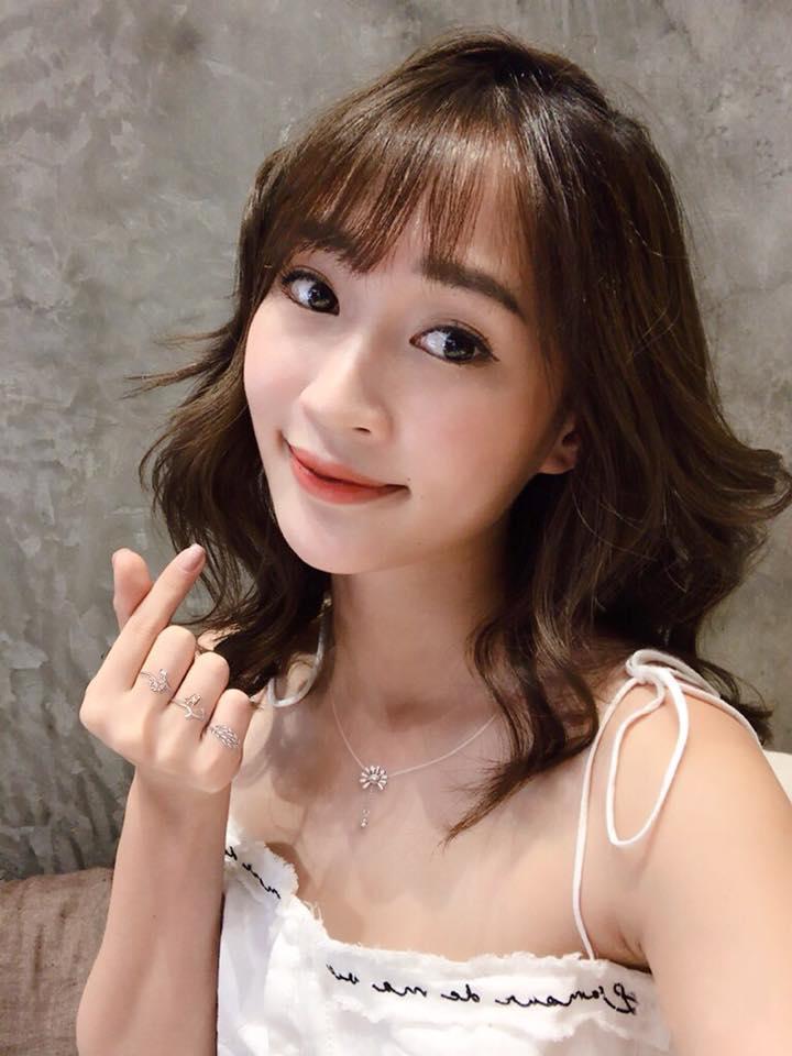 Hot girl - hot boy Việt 16/10: Hot girl Mẫn Tiên khoe giọng hát mộc chất phát ngất-10