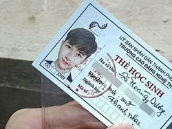 Thêm một anh chàng đẹp 'chói chang' bất chấp cả ảnh thẻ!