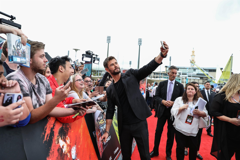 Minh Tú tự tin phỏng vấn dàn sao Thor: Ragnarok tại Úc-4