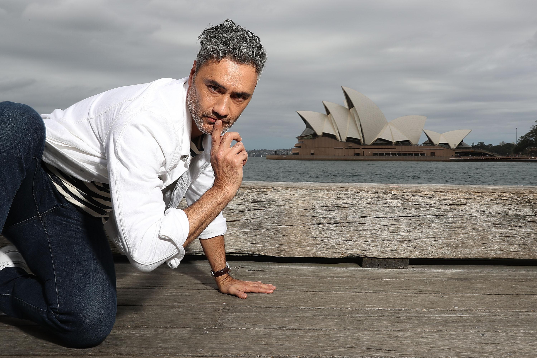 Minh Tú tự tin phỏng vấn dàn sao Thor: Ragnarok tại Úc-7