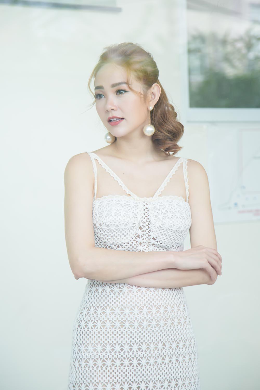 Minh Hằng: Gia đình tôi giờ đây đã hạnh phúc trọn vẹn sau 18 năm bố mẹ ly hôn-2