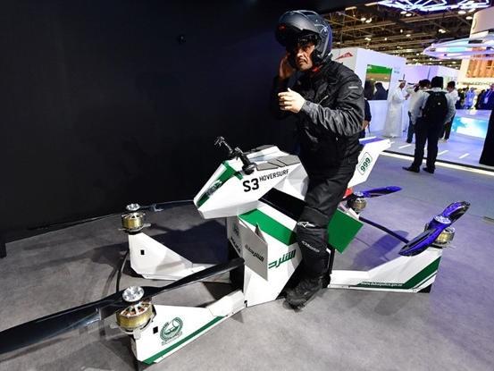 Cảnh sát Dubai đi tuần bằng xe bay