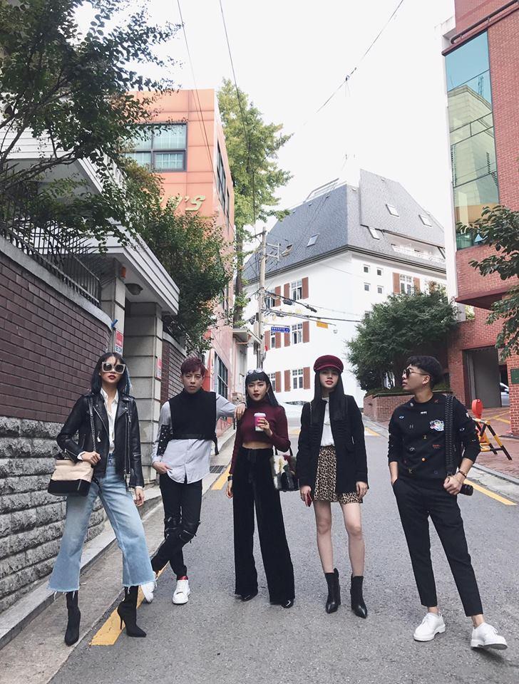 Phí Phương Anh - Hoàng Ku phá đảo Seoul Fashion Week ngày đầu xuất hiện-9