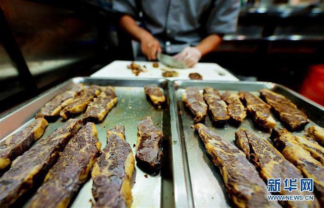 Có gì trong tô mì bò đắt nhất thế giới giá 7,3 triệu, ngày nào cũng có khách order?-4
