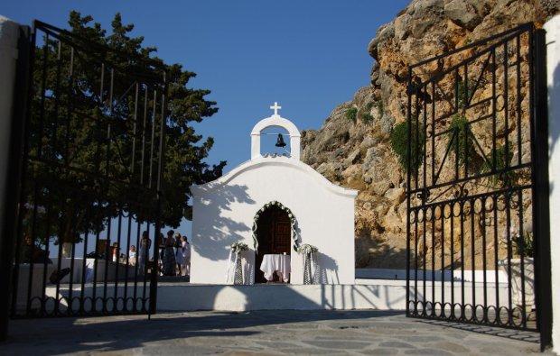 Bức ảnh cưới ghê tởm khiến các cặp sắp cưới lo sốt vó, còn người Hy Lạp bùng cơn phẫn nộ-2