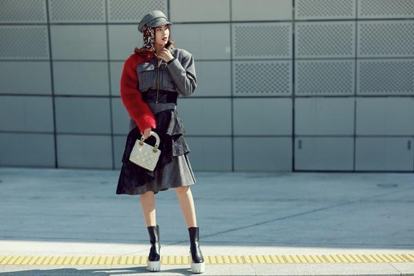Lan Ngọc mang giày khủng cùng set đồ hơn 100 triệu ở Seoul Fashion Week-1