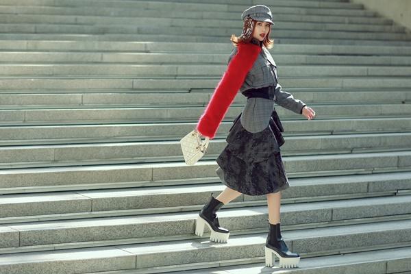 Lan Ngọc mang giày khủng cùng set đồ hơn 100 triệu ở Seoul Fashion Week-3