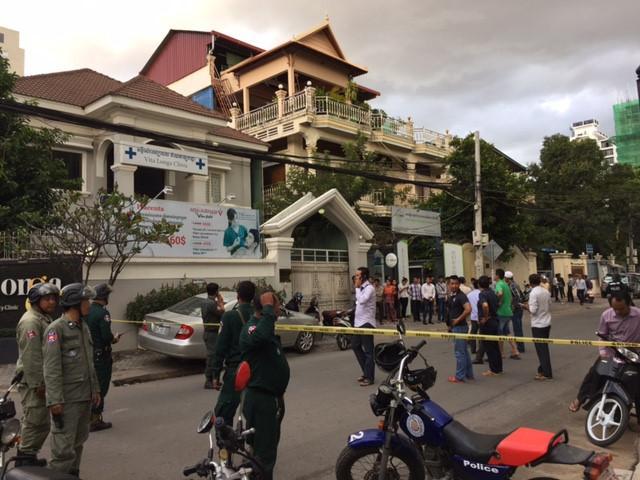 Á quân The Voice Campuchia 2016 bị chồng bắn chết ở tuổi 23-4