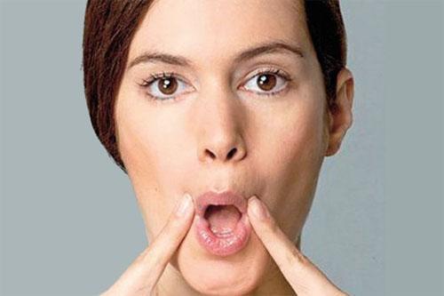 5 bài tập giảm nhăn da mặt cực dễ thực hiện-2