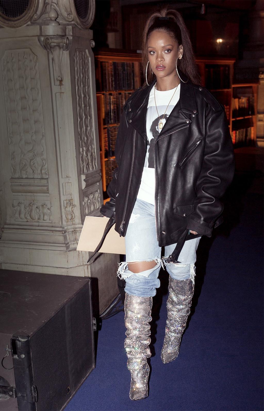 Những kiểu giày độc lạ gắn mác Rihanna-2
