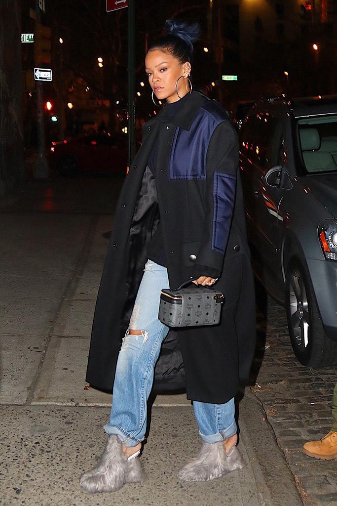 Những kiểu giày độc lạ gắn mác Rihanna-8