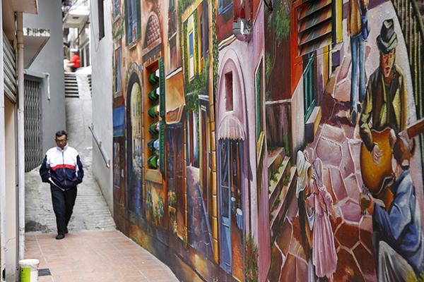 Con ngõ nhỏ ở Thủ đô vô cùng lãng mạn với bức tranh tường 3D cực kỳ ấn tượng-7