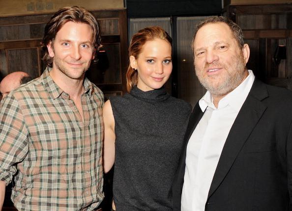 Jennifer Lawrence từng bị ép chụp ảnh nude tập thể và gạ tình-3