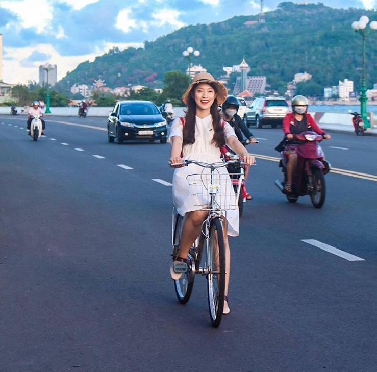 Hot girl - hot boy Việt 18/10: Yến Tatoo gây thương nhớ khi cover hit của Noo Phước Thịnh-5