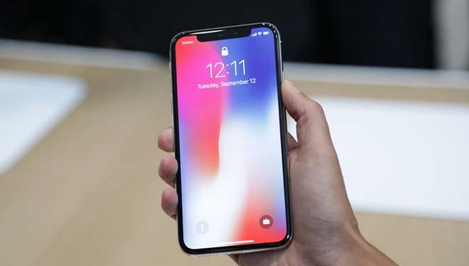 iPhone 8 ế ẩm trong ngày mở bán, iPhone 7 hút khách vì giá rẻ-2