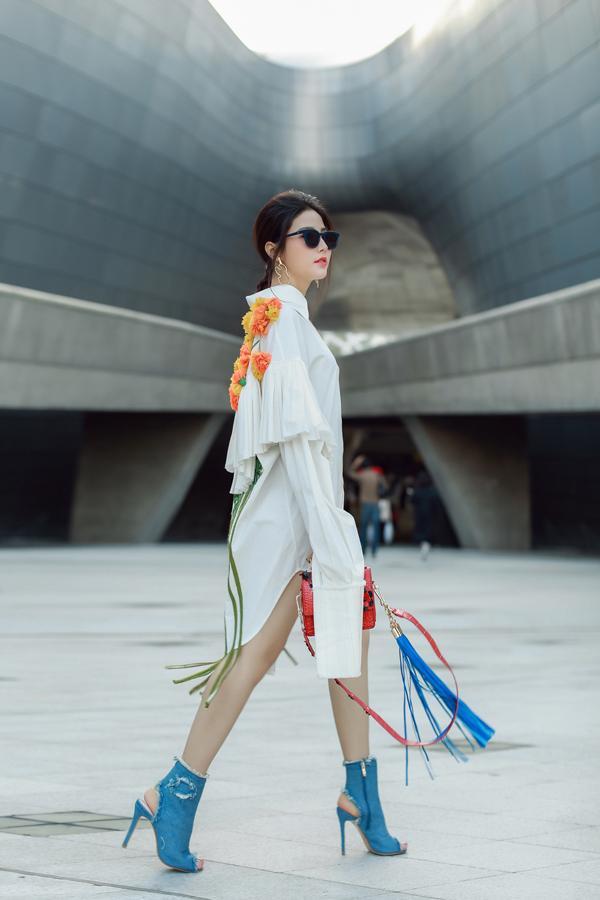 Ngày đầu ra quân, Phí Phương Anh chễm chệ trên tạp chí Vogue Pháp và Mỹ-5
