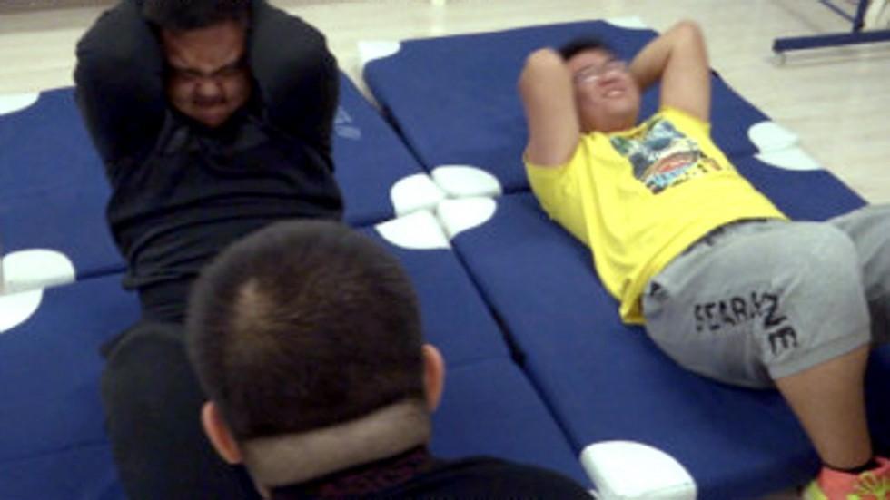 Trung Quốc: Chỉ vì một lời hứa của giáo viên, sinh viên béo phì đổ xô đi giảm cân cấp tốc-1