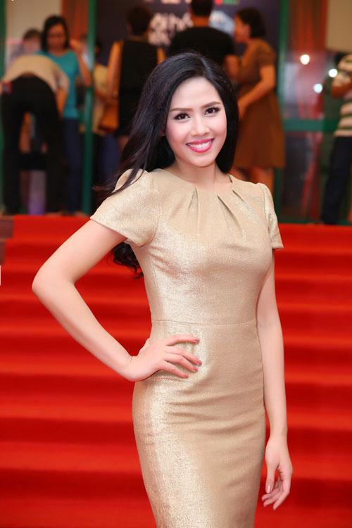 Nguyễn Thị Loan 'lên đời' gout thời trang chứng tỏ đẳng cấp đại diện Việt Nam tại Miss Universe 2017-5
