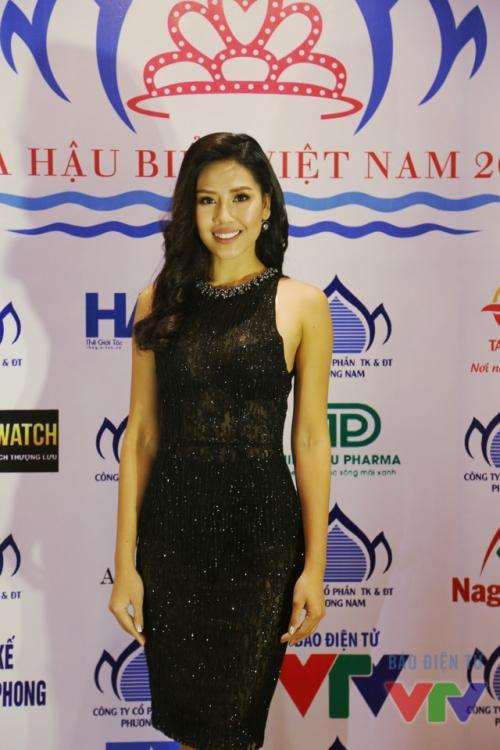 Nguyễn Thị Loan 'lên đời' gout thời trang chứng tỏ đẳng cấp đại diện Việt Nam tại Miss Universe 2017-6