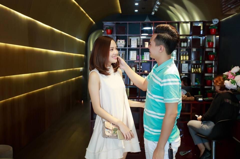 Hot girl - hot boy Việt 19/10: Đằng sau Vlog Bố mẹ cũng sống ảo của Huy Cung là câu chuyện cực ý nghĩa-1