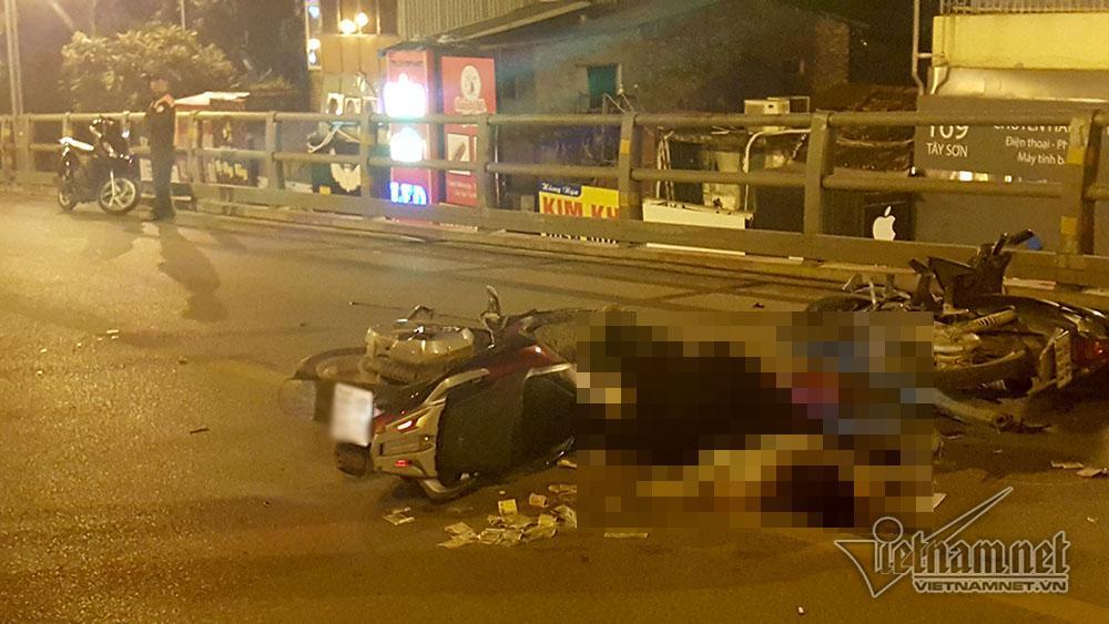 Tai nạn trên cầu vượt Thái Hà lúc nửa đêm, 3 người thương vong-2