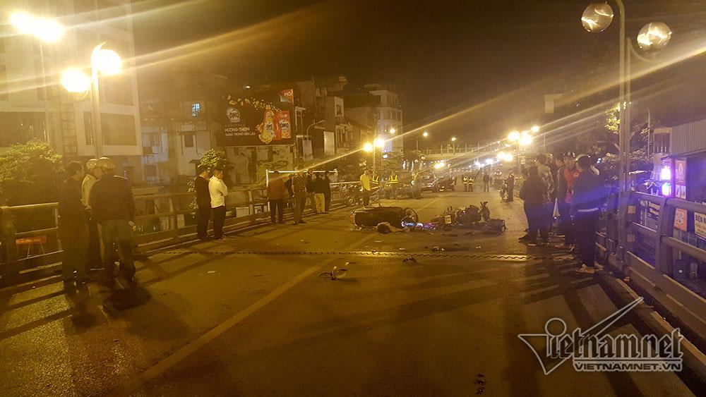 Tai nạn trên cầu vượt Thái Hà lúc nửa đêm, 3 người thương vong-3