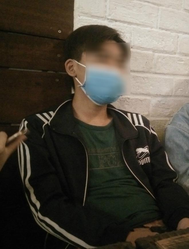 Bảo vệ khẩn cấp, đưa bé trai 15 tuổi nghi bị bà chủ trọ xâm hại tình dục vào trung tâm nuôi dưỡng-2