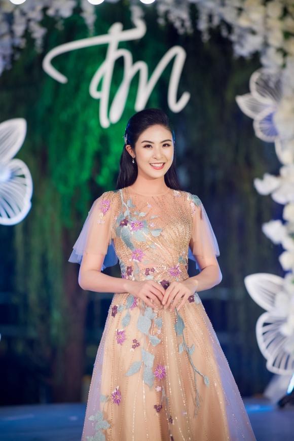 Diện đầm quý phái, Phạm Hương - Đỗ Mỹ Linh chiếm lĩnh ngôi vị sao mặc đẹp thảm đỏ tuần này-6