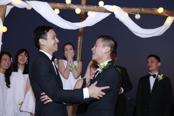 Vượt rào cản tâm lý, loạt sao nam đình đám showbiz Việt không ngại công khai đồng tính-7