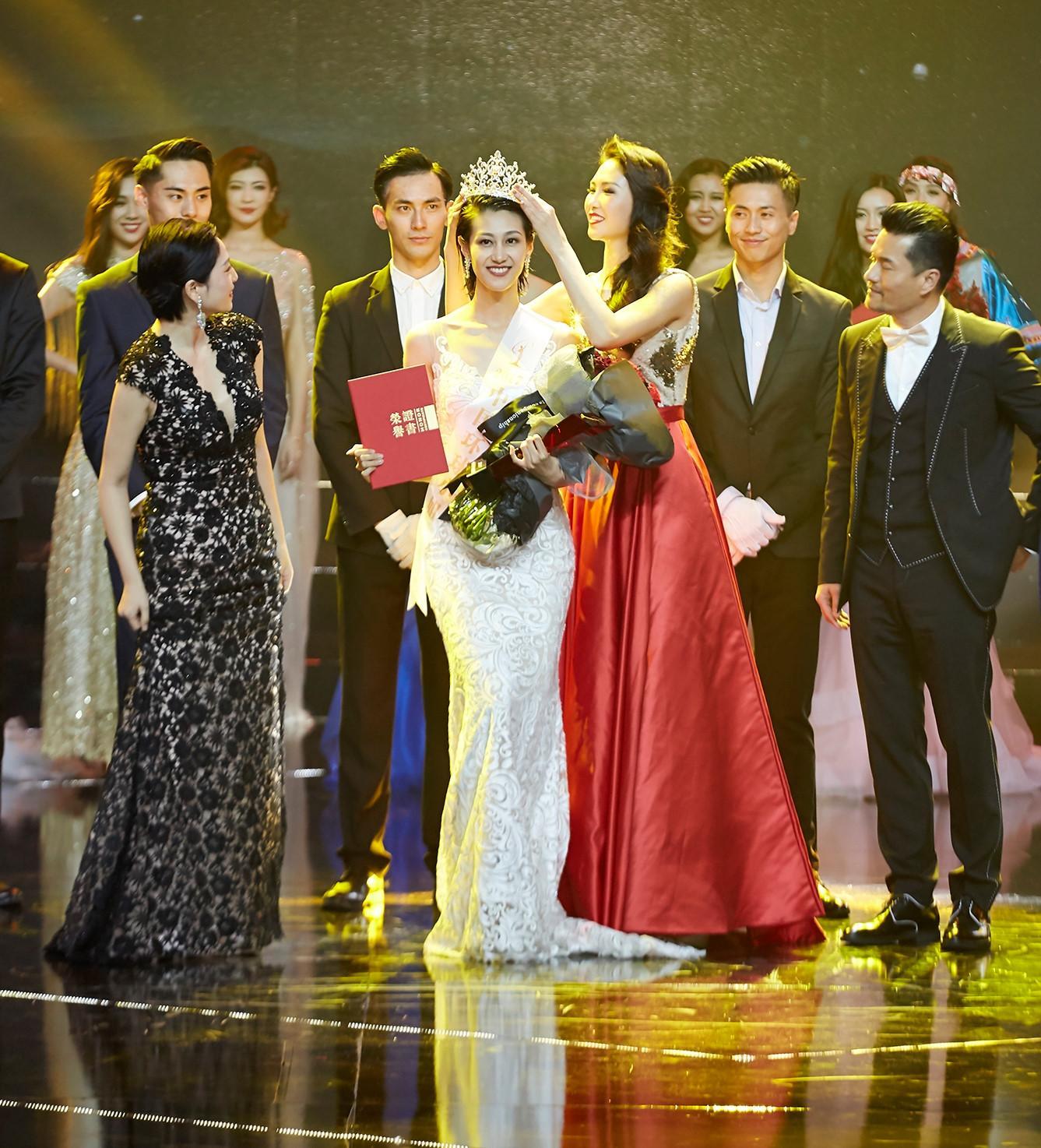 Chân dài tuổi U30 thành Hoa hậu Hoàn vũ Trung Quốc nhờ ứng xử lạ-2