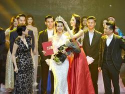Chân dài tuổi U30 thành 'Hoa hậu Hoàn vũ Trung Quốc' nhờ ứng xử lạ