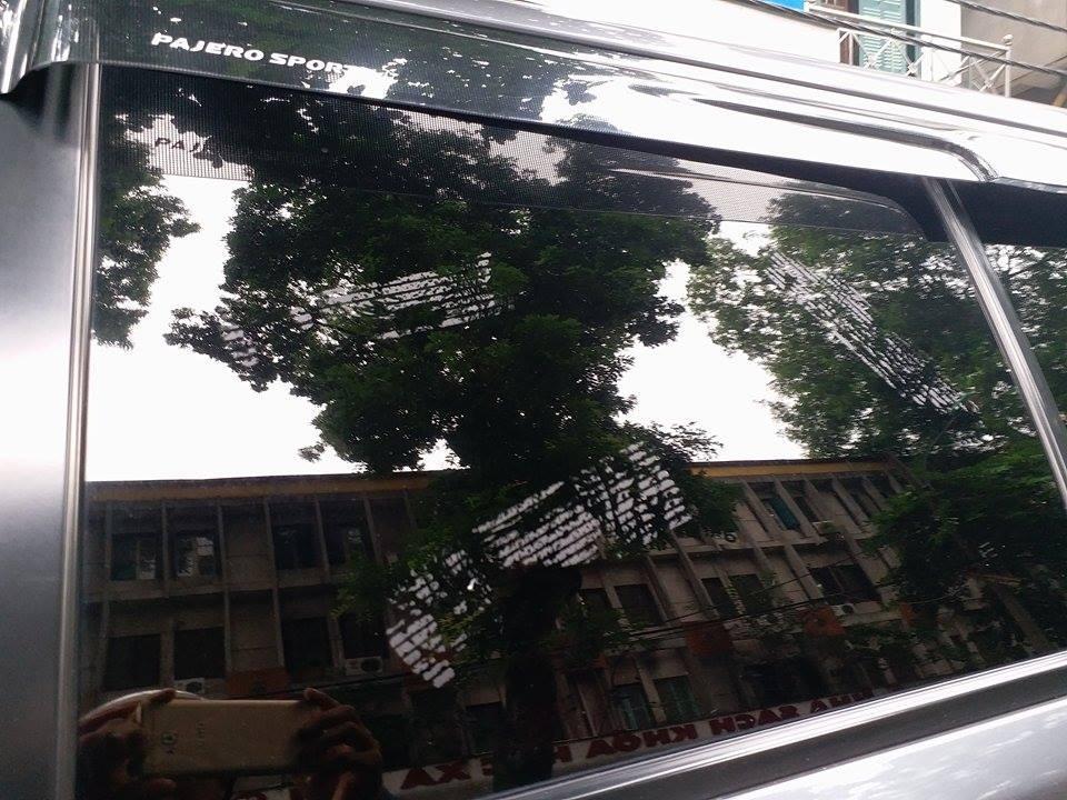Cô gái dán băng vệ sinh lên xe ô tô: Tôi không sai, chủ xe mới vô ý thức-4