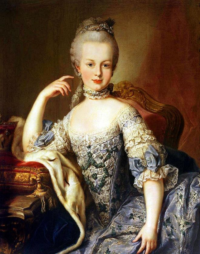 Hoàng hậu tai tiếng bậc nhất châu Âu: Nhan sắc tuyệt trần nghìn người mê đắm, riêng chồng dửng dưng không nhòm ngó-10