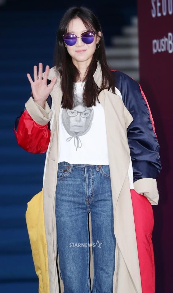 Gong Hyo Jin đầy khí chất, thiên thần Kim Yoo Jung tỏa sáng bên loạt sao Hàn sành điệu tại Seoul Fashion Week-2