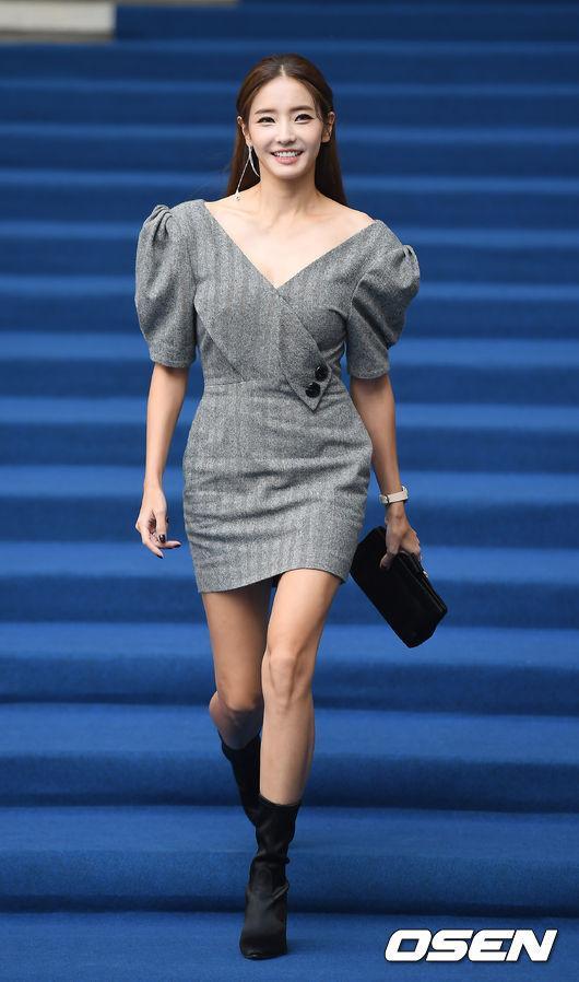 Gong Hyo Jin đầy khí chất, thiên thần Kim Yoo Jung tỏa sáng bên loạt sao Hàn sành điệu tại Seoul Fashion Week-5