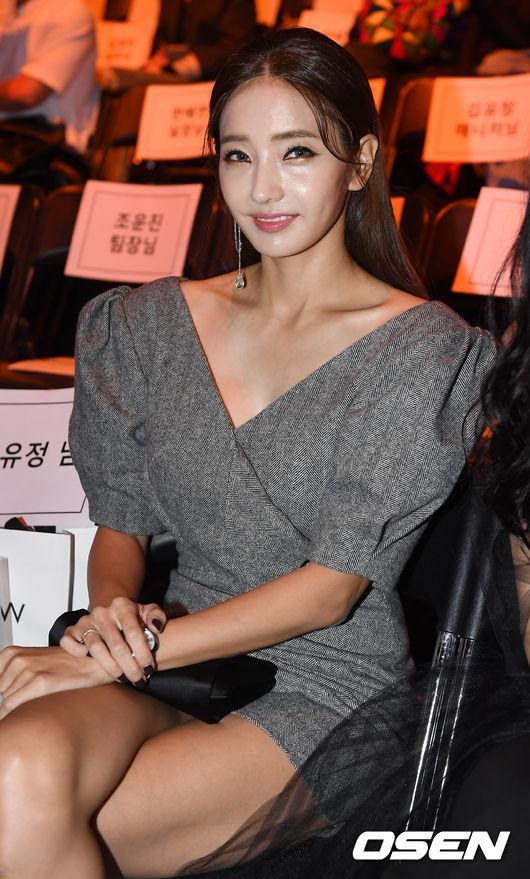 Gong Hyo Jin đầy khí chất, thiên thần Kim Yoo Jung tỏa sáng bên loạt sao Hàn sành điệu tại Seoul Fashion Week-6